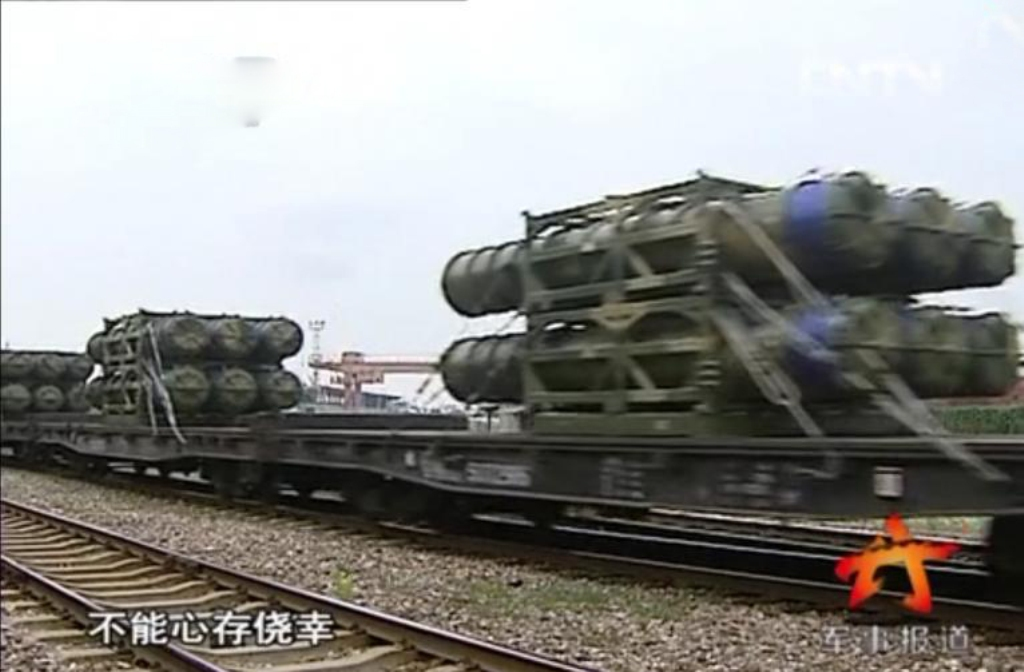 HQ-16ABC LY80 Surface-to-Air Missile sam plaaf pla china export type 054abc  (1).jpg