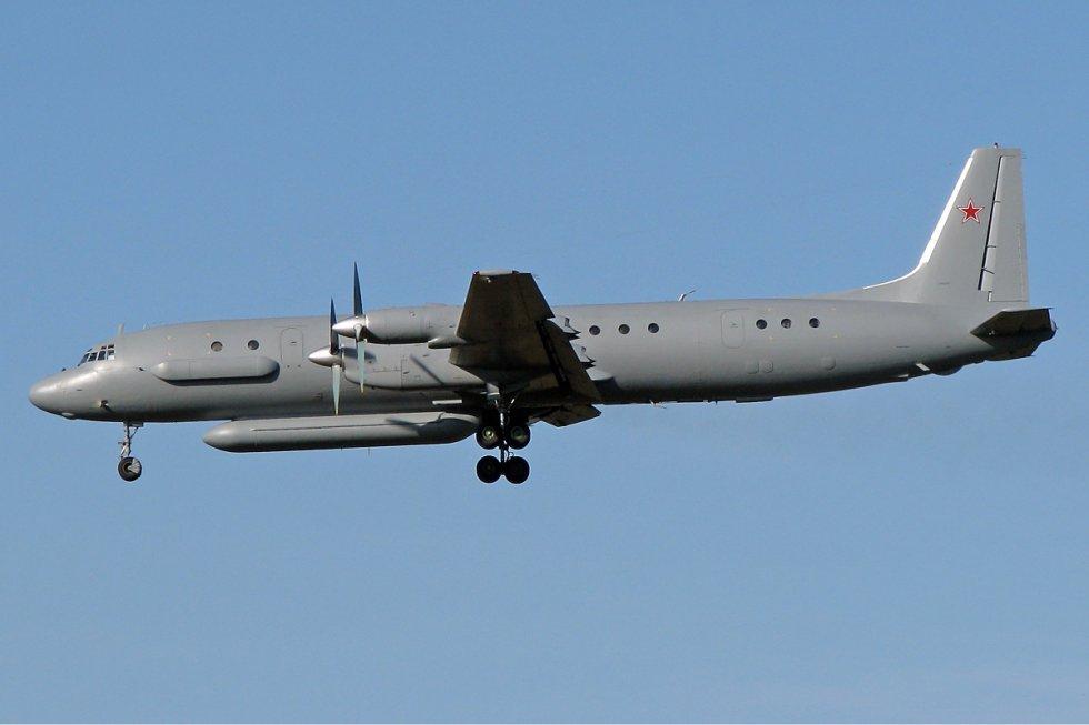 Ilyushin_Il-20M_(2).jpg