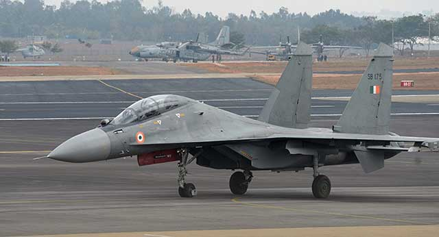 India-and-Russia-Discuss-the-Modernization-of-Indian-Su-30MKI-Fighters.jpg
