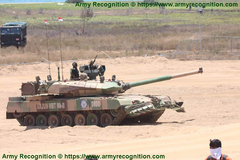India_has_has_successfully_test-fired_gun_launched_anti-tank_missile_from_Arjun_tank_925_001.jpg
