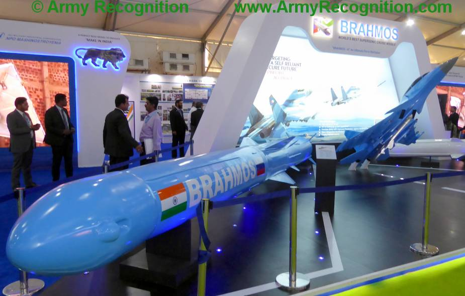 India_test-fires_land-attack_version_of_BrahMos_cruise_missile.JPG