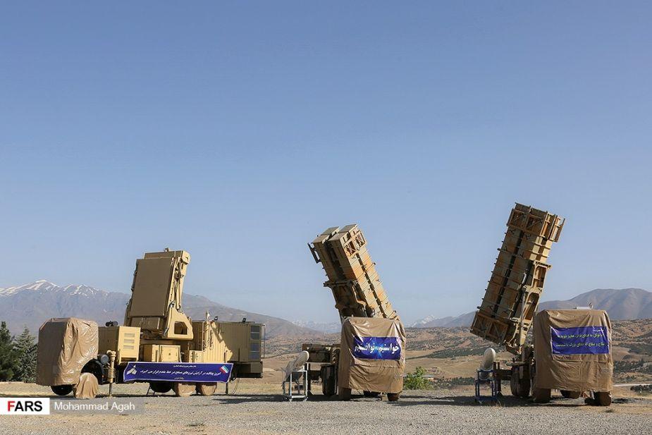 Iran_unveils_new_Khordad_15_air_defense_missile_system_925_002.jpg