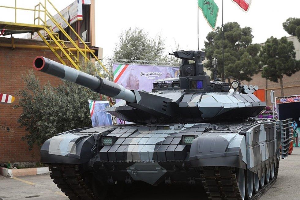 Iranian_third_generation_tank-Karrar.jpg