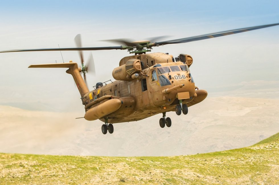 israeli-air-force-helicopter-squadrons-drill-warfare-in-northern-theater-2.jpg