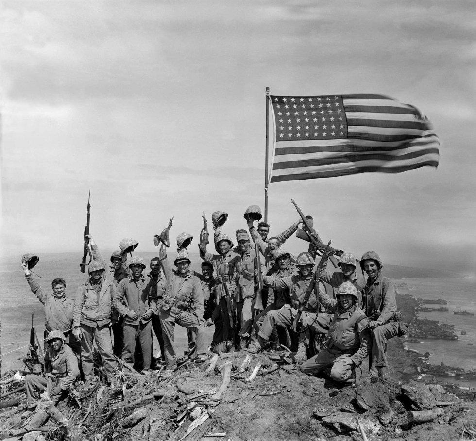 iwo-jima-flag-raising-rosenthal-gung-ho.jpg