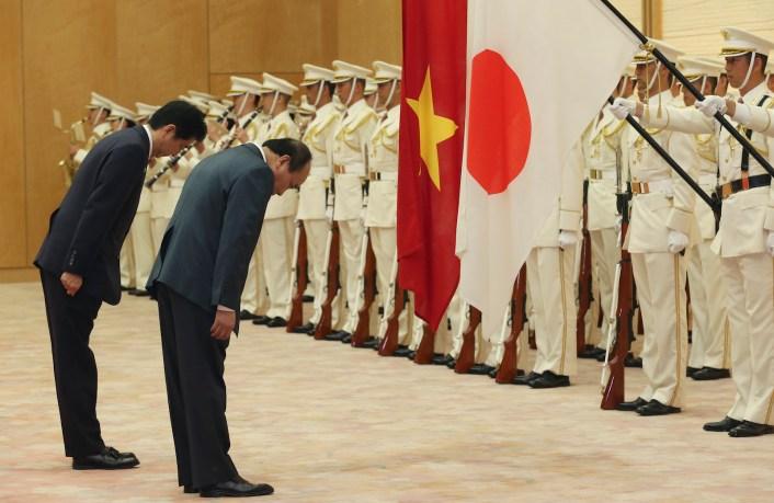 Japan-Vietnam-Shinzo-Abe-Nguyen-Xuan-Phuc-May-2016.jpg