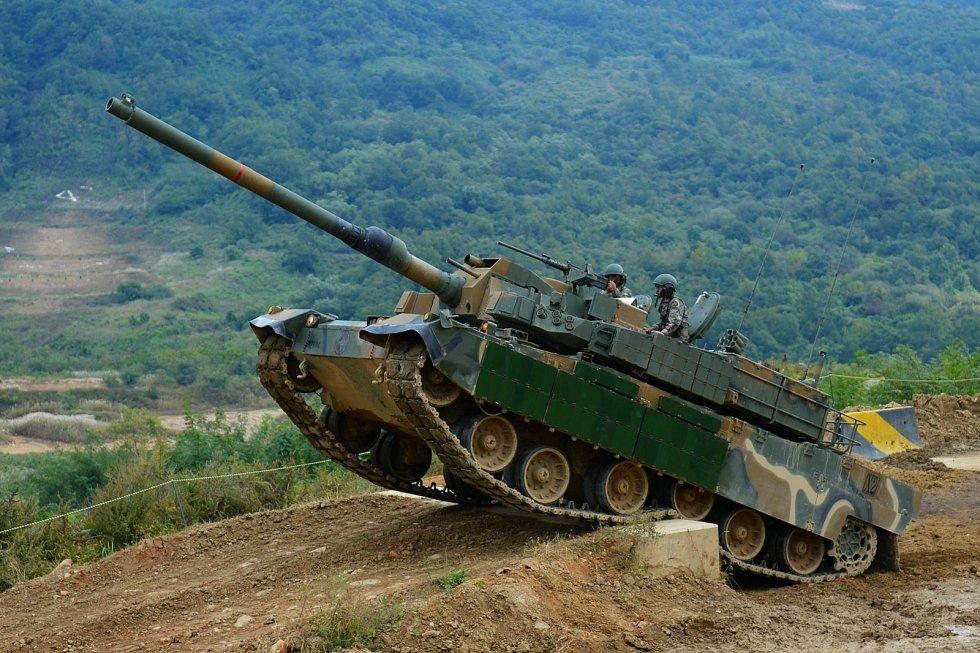 K2-Black-Panther-Tank-Vertical-Climb.jpg