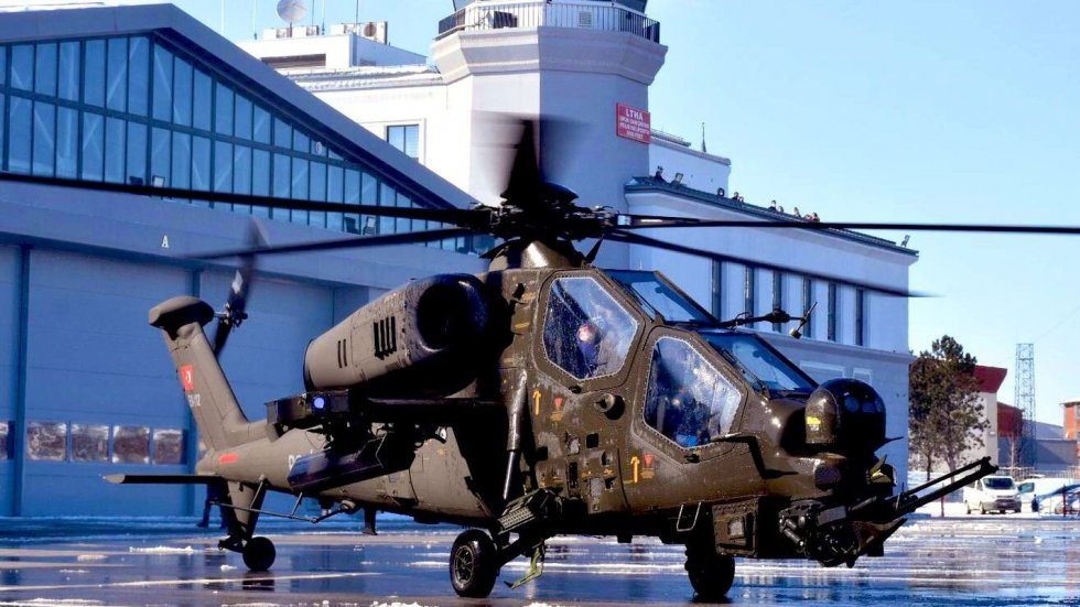 kara-kuvvetleri-komutanligina-ilk-t129-atak-faz-2-helikopteri-teslim-edildi.jpg