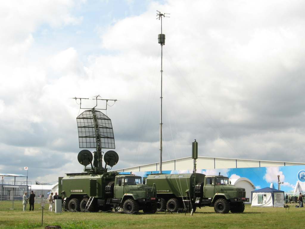 Kolchuga-passive-radar_MAKS2009.jpg