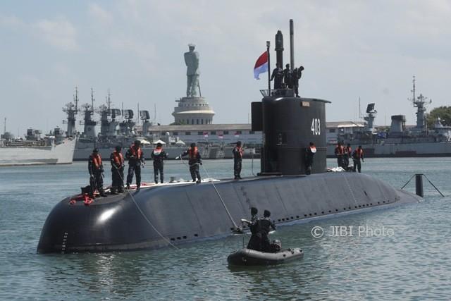KRI-Nagapasa-403-kapal-selam.jpg