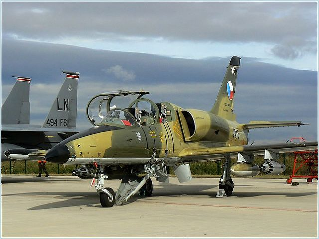 L-39_Albatros_combat_trainer_aircraft_Czech_Republic_air_force_aviation_defence_industry_640.jpg