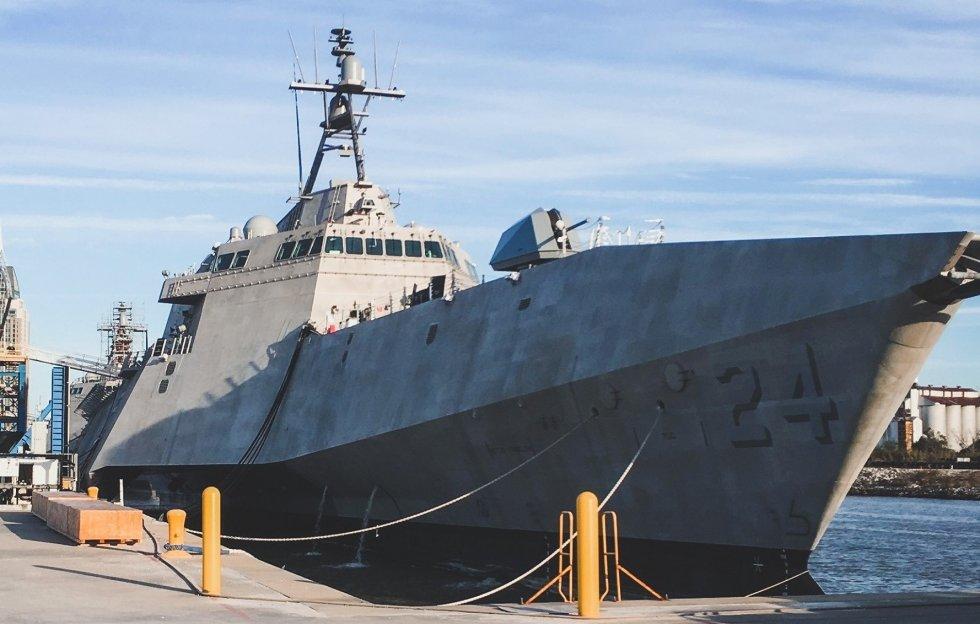 LCS-24-USS-Oakland-003.jpg