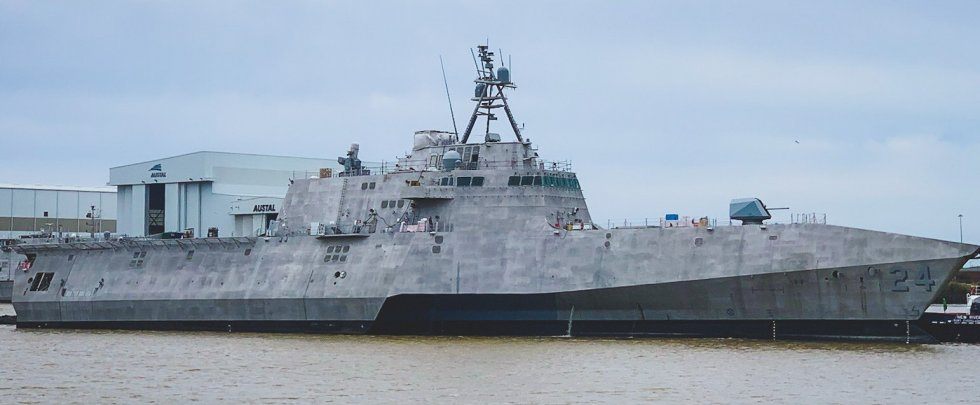 LCS-24-USS-Oakland-004.jpg