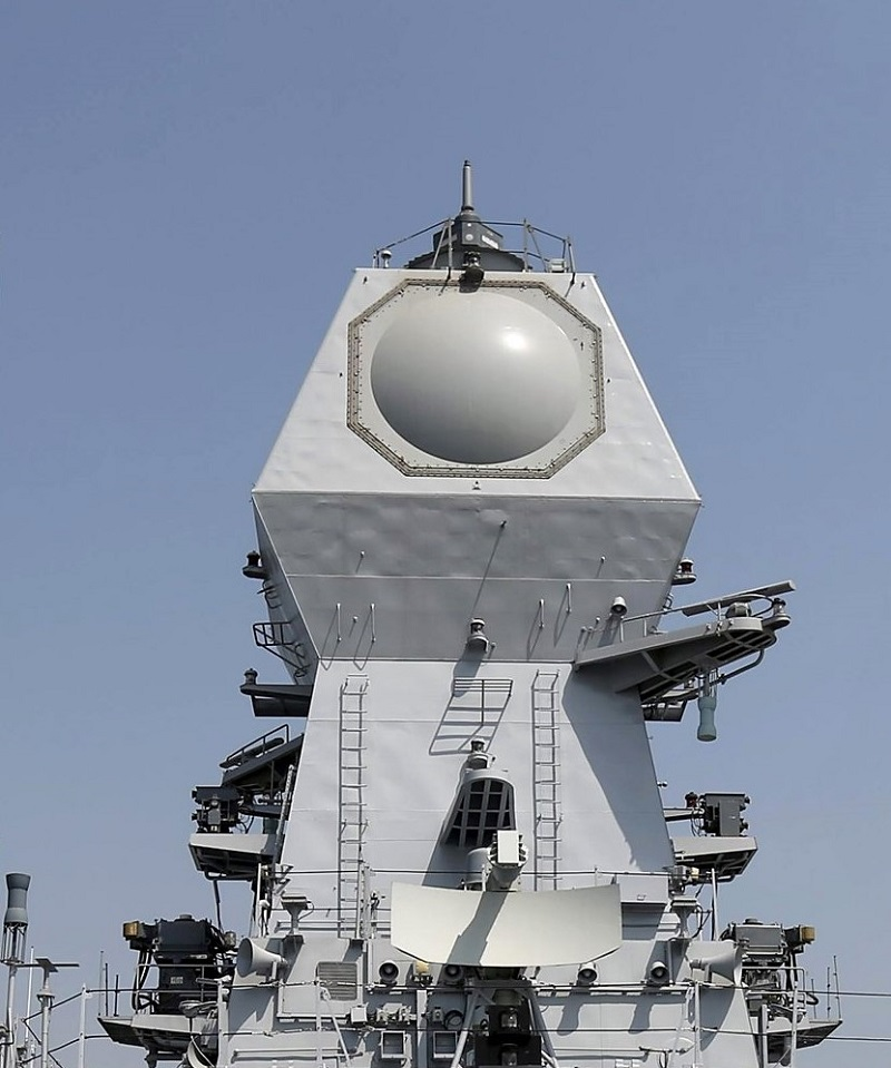 MF-STAR-niszczyciel-Kochi-Indie-fot.-Indian-Navy.jpg