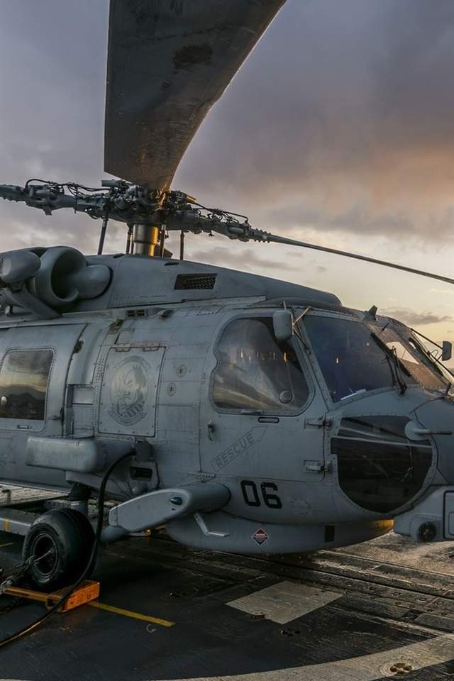 MH-60R-Seahawk-helicopter_iphone_640x960.jpg