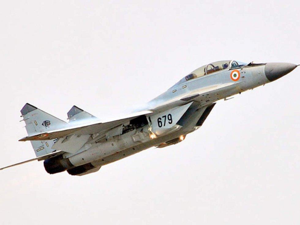 mig-29k-fighter-planes-face-operational-deficiencies-cag-report.jpg