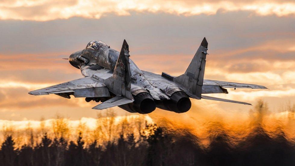 mig-29sm-multipurpose-fighter-take-off_1920x1080.jpg