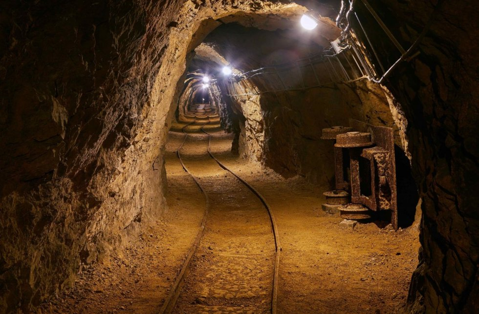 mining-tunnel-e1496328756543.jpg