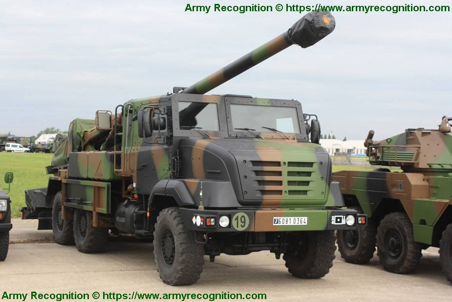 Morocco_to_purchase_30_French_Nexter_CAESAR_155mm_6x6_self-propelled_howitzers_925_001.jpg