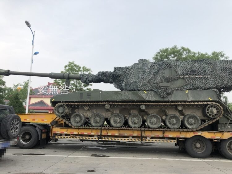 New-Chinese-155mm-self-propelled-howitzer-spotted-on-public-roads-750x563.jpg