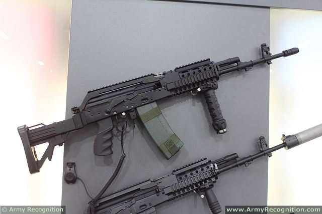 Nigerian_armed_forces_take_delivery_of_1000_Polish-made_Beryl_M762_7-62mm_assault_rifles_640_001.jpg