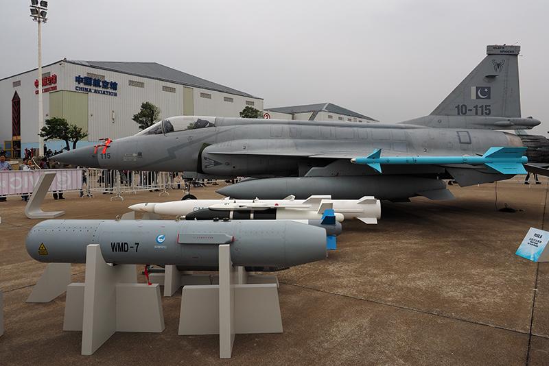 p04-JF-17.jpg