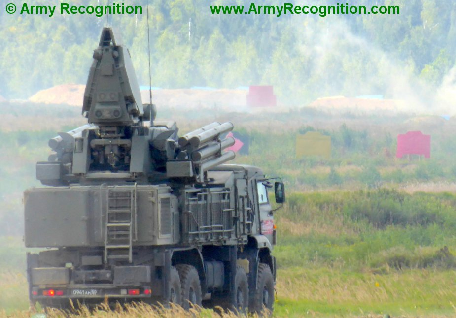 Pakistan_to_buy_Pantsir-S1_and_T-90_tanks_from_Russia.JPG