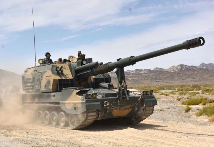 PLZ05-155mm-howitzer.jpg