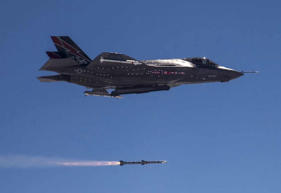 raytheon-missiles-systems-awarded-2-3-billion-production-contract-for-amraam-program.jpg