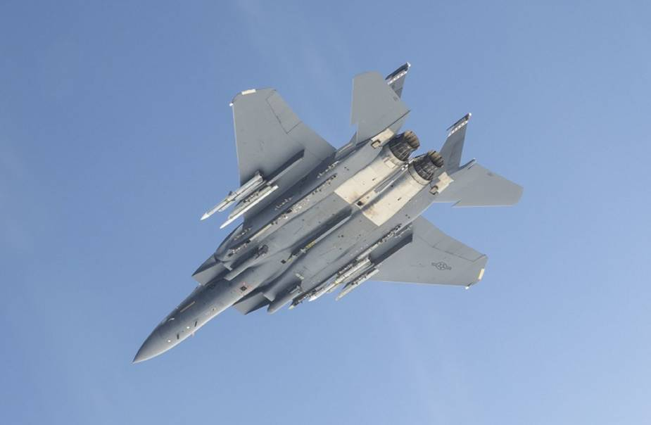 Raytheon_Missiles_and_Defense_awarded_USD_482.9_Mn_contract_for_foreign_AMRAAM_customers.jpg