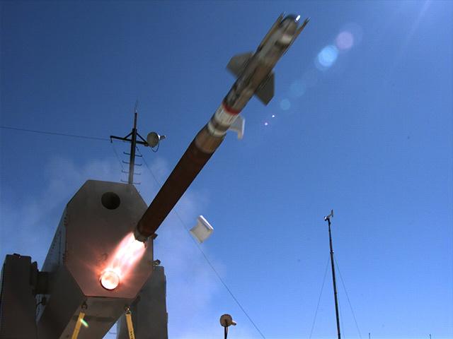 Raytheon_RAM_Block_2_test_firing_Euronaval_2012_news.jpg