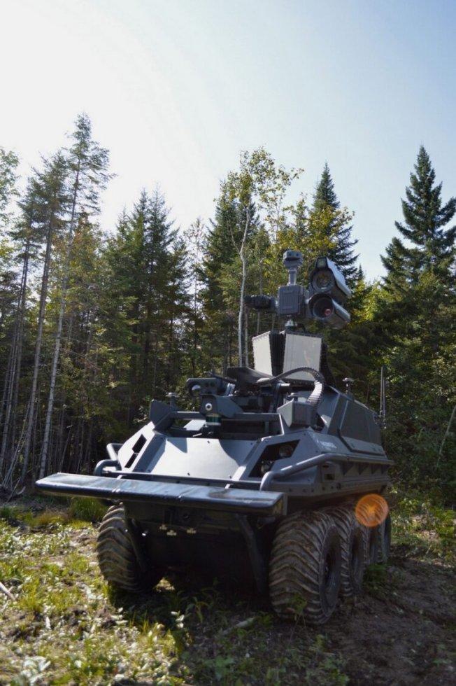 rheinmetall-mission-master-armed-recce-03-751x1129.jpg