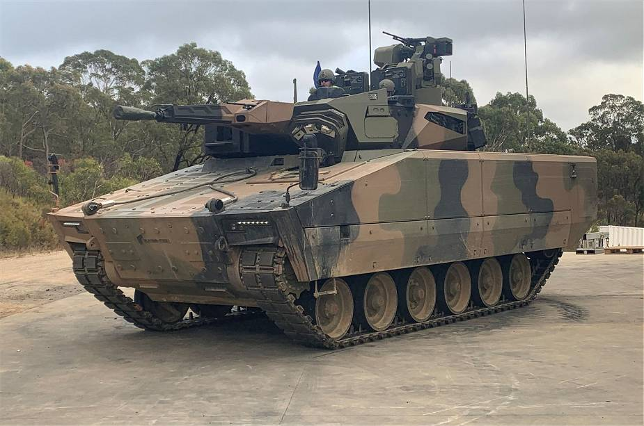Rheinmetall_selects_Cook_Defence_Systems_TR40_track_for_LYNX_KF41_IFV_for_Australian_Army_925_...jpg