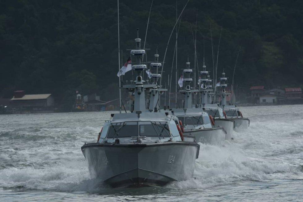 royal-malaysian-navy-to-get-13-more-fast-interceptor-craft-1.jpg