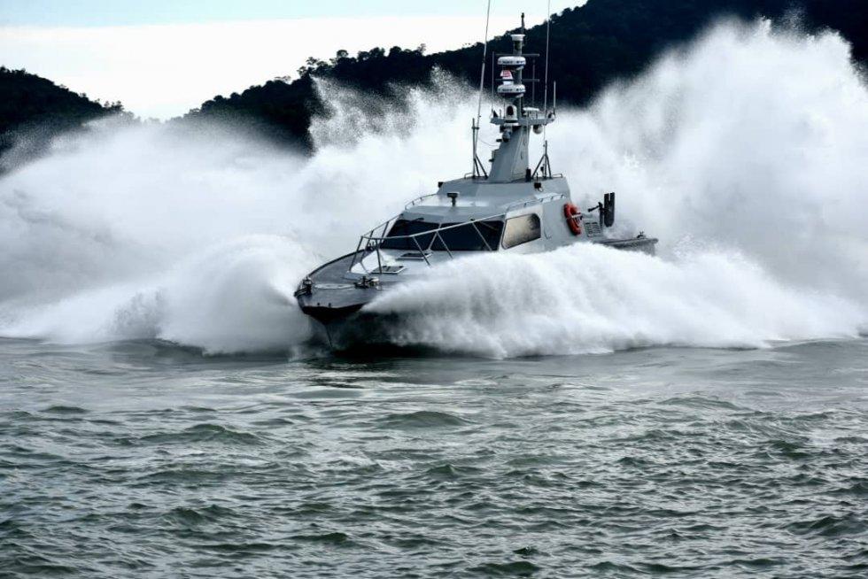 royal-malaysian-navy-to-get-13-more-fast-interceptor-craft.jpg