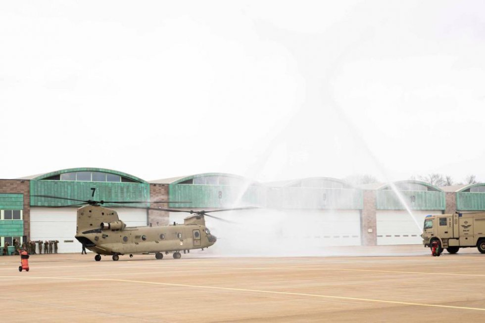 royal-netherlands-air-force-received-its-first-boeing-ch-47f-chinook-heavy-lift-helicopter-1.jpg