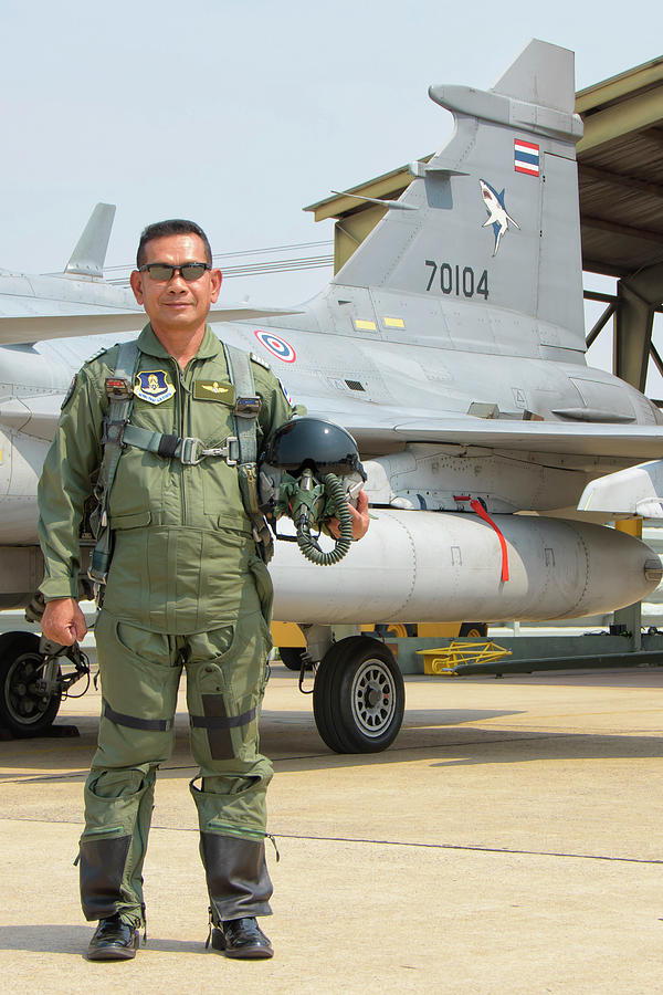royal-thai-air-force-pilot-in-front-giovanni-colla.jpg