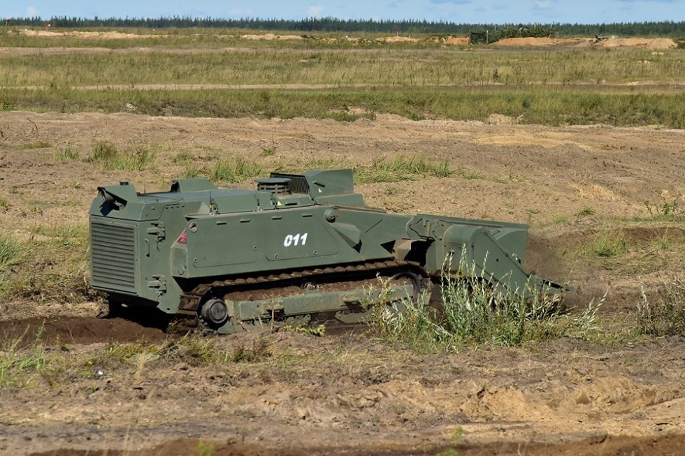 russia-demonstrates-uran-9-and-nerekhta-unmanned-ground-vehicles-at-zapad-2021-drills-1.jpg