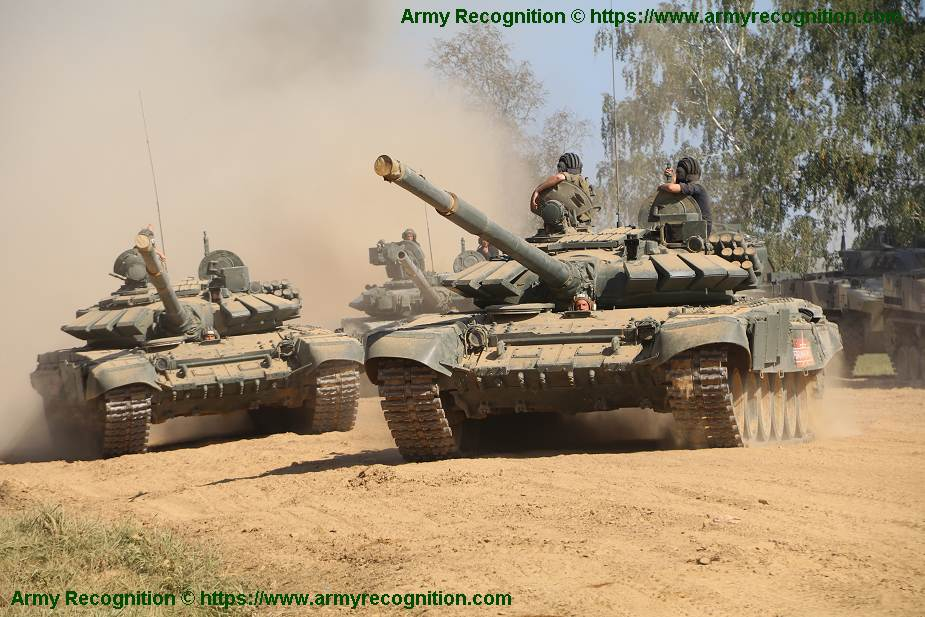 Russian_T-72B3_tanks_to_defend_Kuril_Islands_against_amphibious_assault_and_small_warships_925...jpg