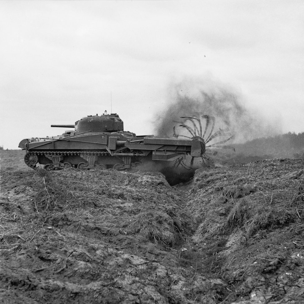 Sherman_Crab_Mk_II_flail_tank,_one_of_General_Hobart's_'funnies'_of_79th_Armoured_Division,_du...jpg