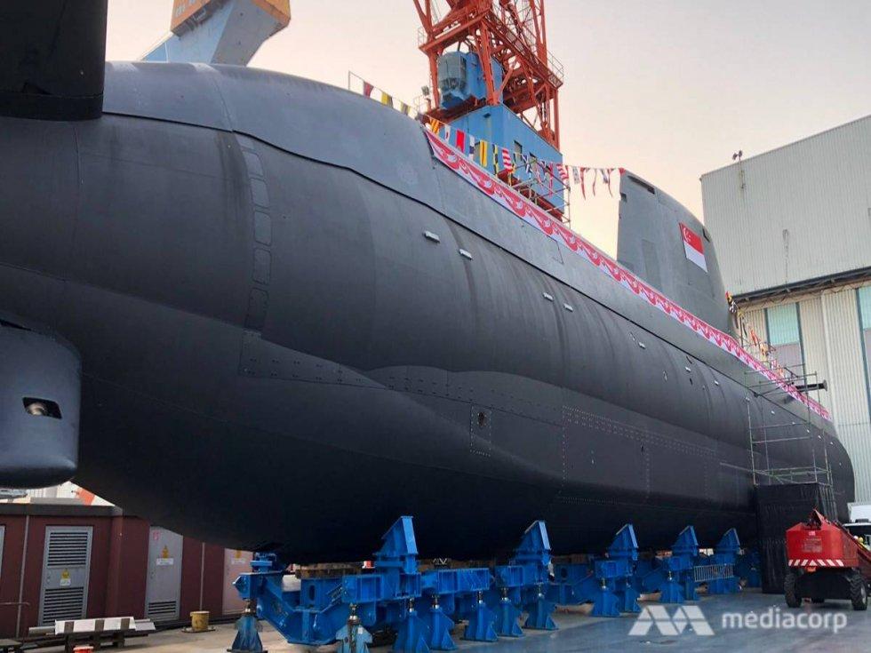 singapore-first-type218sg-submarine.jpg