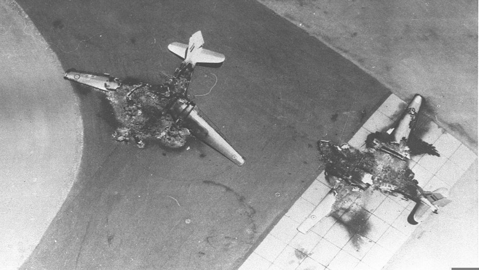 Six_Day_War._Egyptian_air_force_base_attacked._Egyptian_planes_destroyed_on_the_ground._June_1...jpg