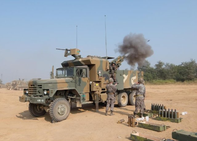 South_Korea_s_upgraded_EVO_105_105mm_self_propelled_howitzer_ready_for_mass_productio_640_001.jpg