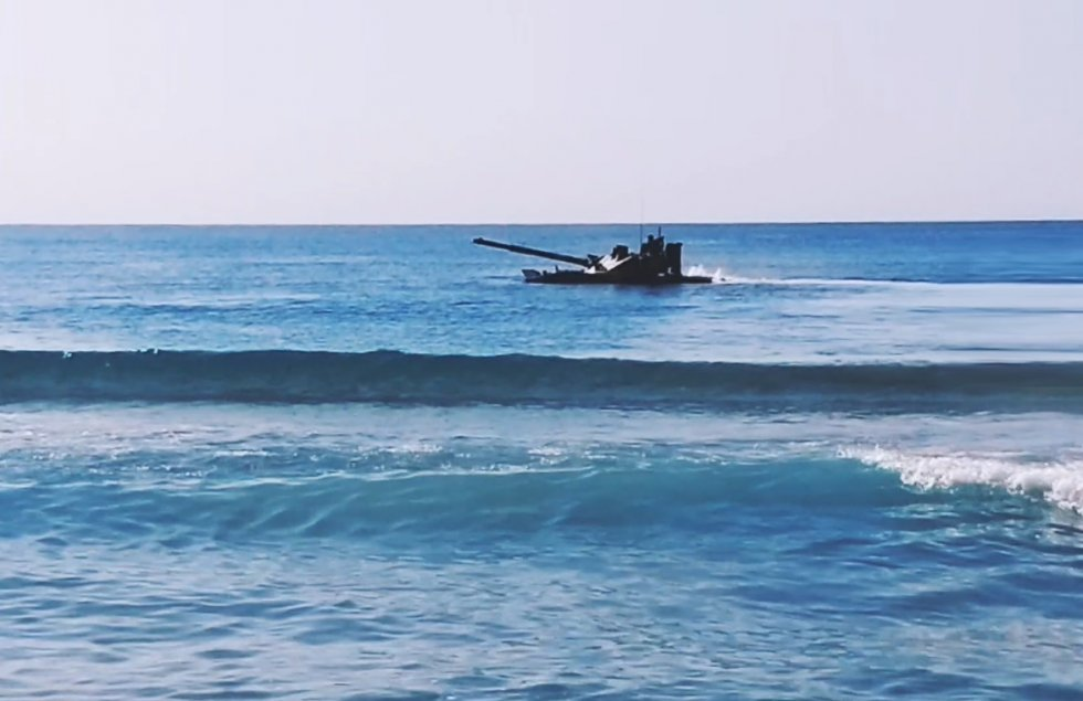 sprut-sdm1-amphibious-light-tank-to-undergo-firing-trials-on-the-black-sea-3.jpg