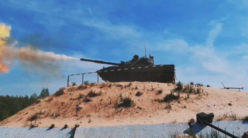 sprut-sdm1-amphibious-light-tank-to-undergo-firing-trials-on-the-black-sea.jpg