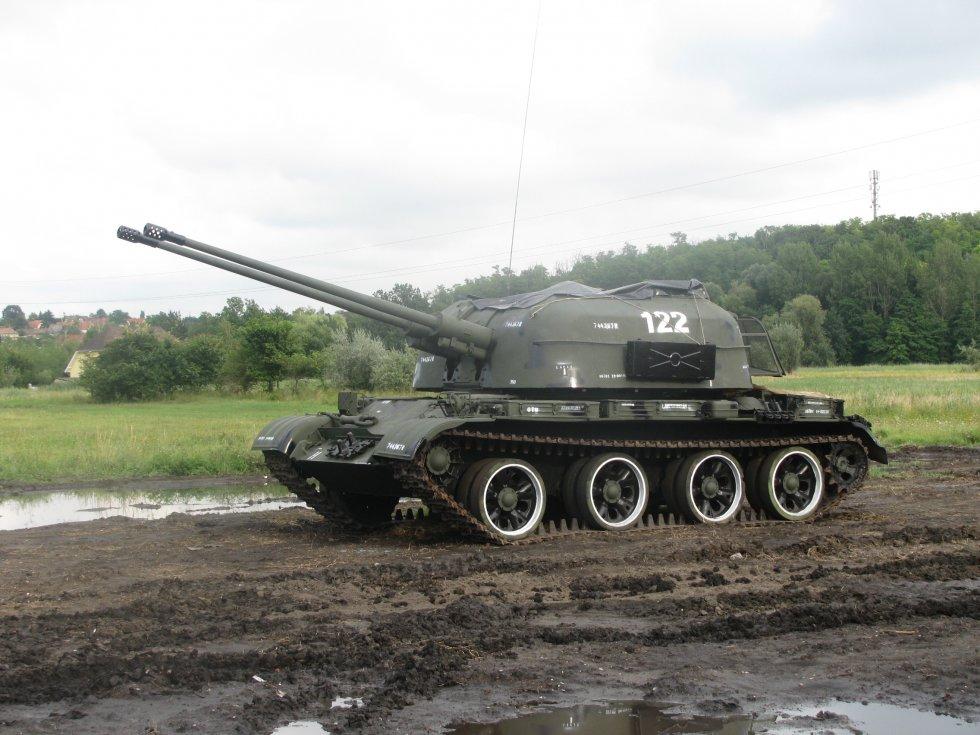Tank4_Zamárdi.jpg
