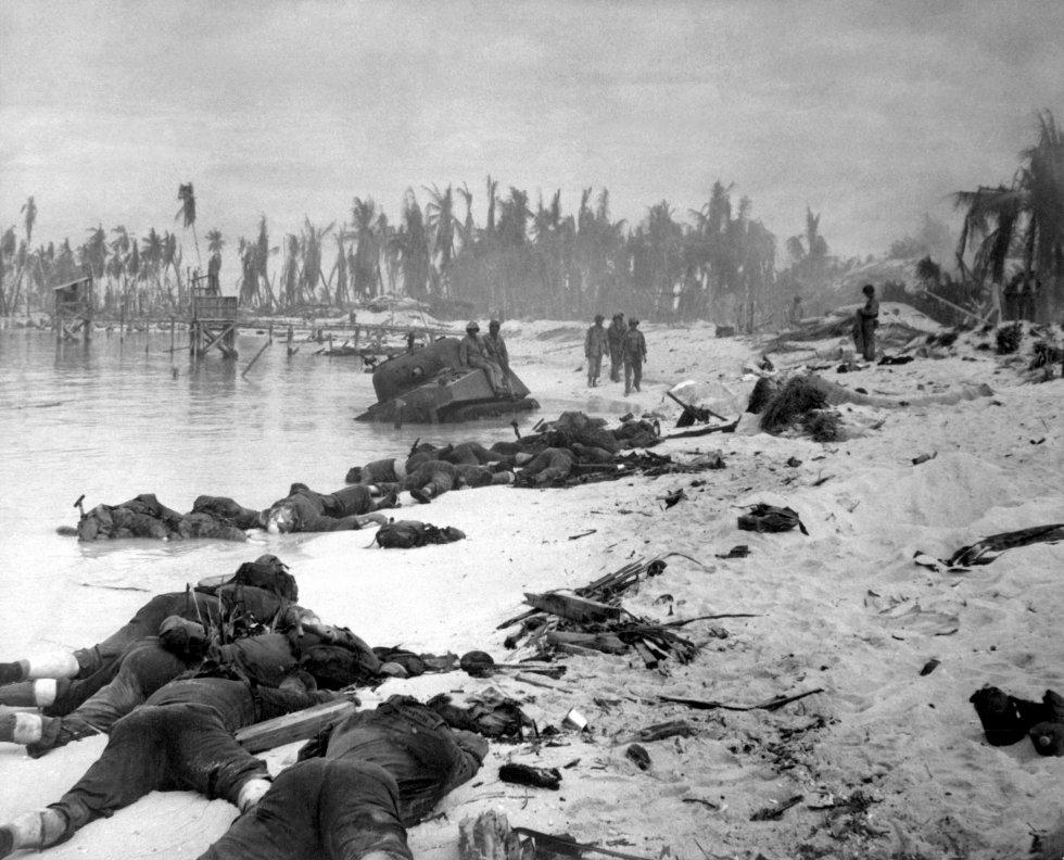 Tarawa_beach_HD-SN-99-03001.jpg