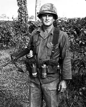 The-AK-47-vs.-the-M16-During-the-Vietnam-War-11.jpg