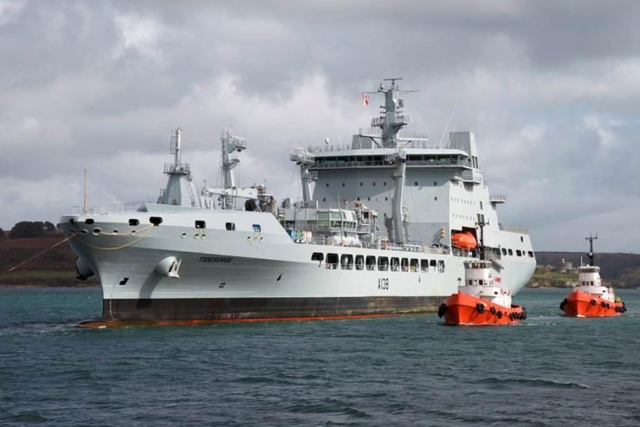 Tide-class_fleet_tanker_ship_British_Navy_unveils_components_of_its_UK_Carrier_Strike_Group_UK...jpg