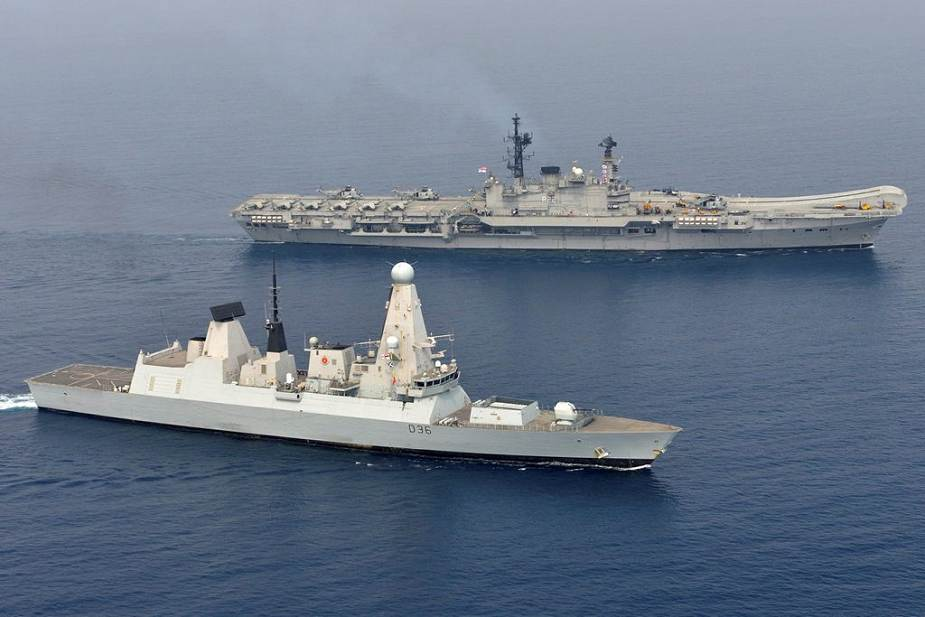 Type_45_Daring-class_missile_destroyer_British_Navy_unveils_components_of_its_UK_Carrier_Strik...jpg